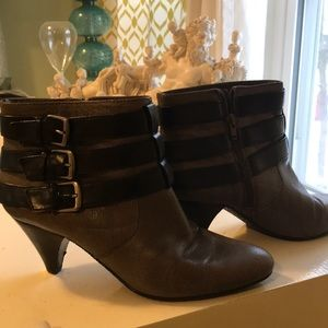 Nine west grey leather ankle boots 9.5